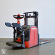 LINDE STAND-ON STACKER L 14 AP/372-03 ELECTRIC