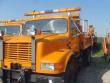 1993 INTERNATIONAL 4900 SALVAGE TRUCK