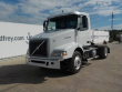 LOT # 3339 -- 2004 VOLVO 4X2 TRUCK TRACTOR, DAYCAB, VOLVO D12 12.1L L6 DIESEL ENGINE, EATON FULLER 10 SPEED SUPER 10 TRANSMISSION, 373 DIFFIERENTIAL, PTO, A/C (835,027 MILES)