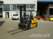 1999 UNICARRIERS VM400 FB30